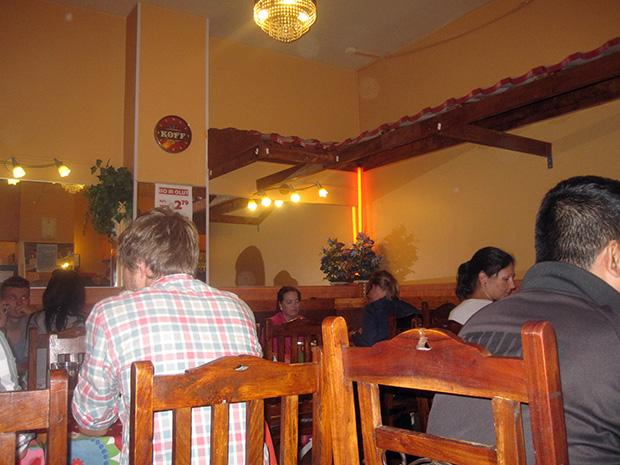 Ravintola Saba sijaitsee Hämeentiellä Hakaniemessä.