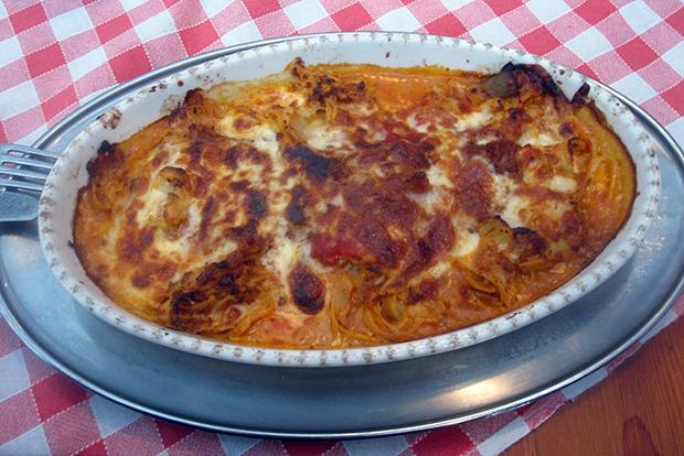 Lasagne tuotiin uunivuoassa