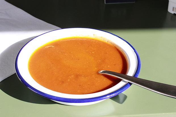 Tomaatti-munakoisokeitto